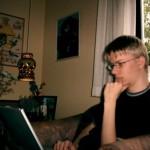Thomas med sin uundværlige computer
